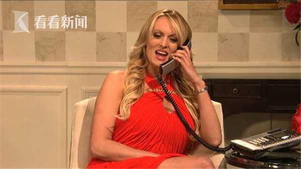 性感|美国艳星丹尼尔斯上视频喊话特朗普:你应节目工作服图片