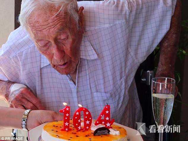 """厌烦活太久 老太称活128岁是""""上帝惩罚"""""""