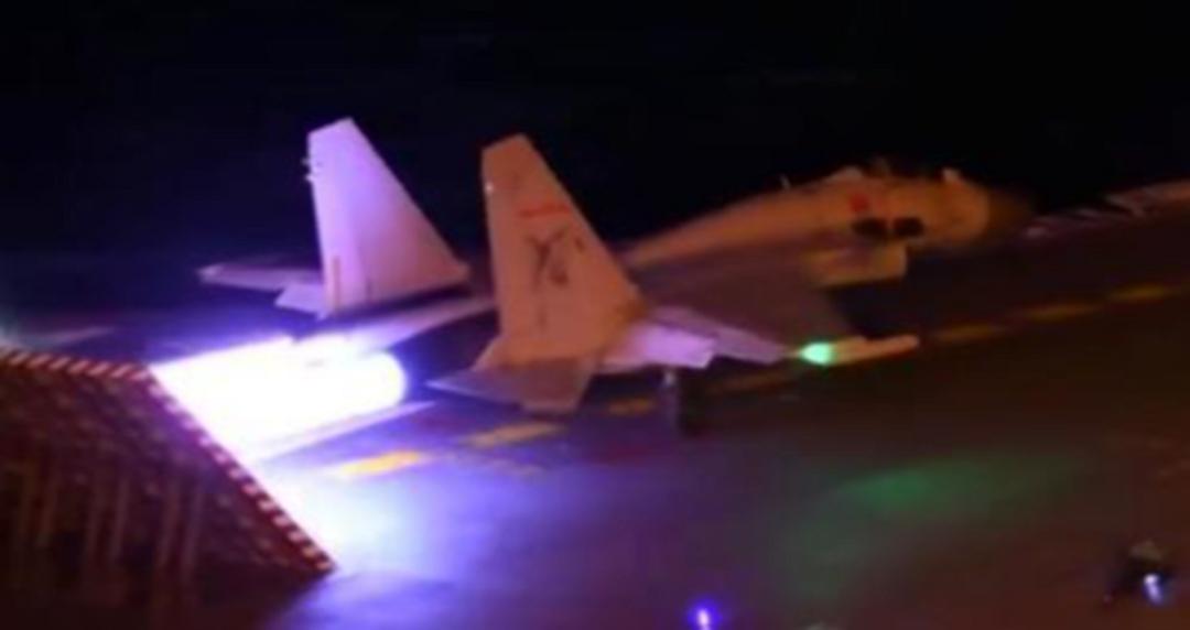 夜间起降技术突破 中国航母作战能力进入新境界