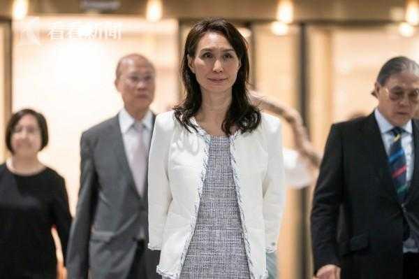 何超凤担任澳门博彩控股公司主席
