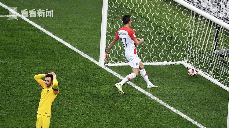 洛里出球被断,克罗地亚队顽强追回一球