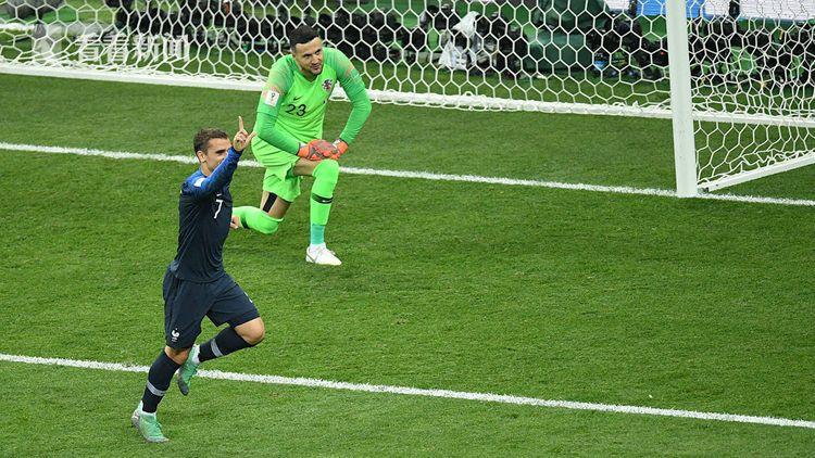凭借VAR系统,法国队获得点球再度领先