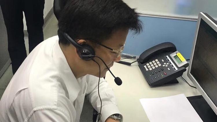 """2018年""""夏令热线""""开通 副市长接听市民来电"""