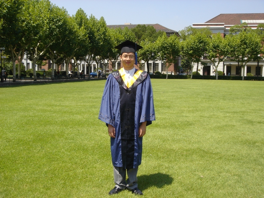 2005年洪刚取得上海交大硕士学位
