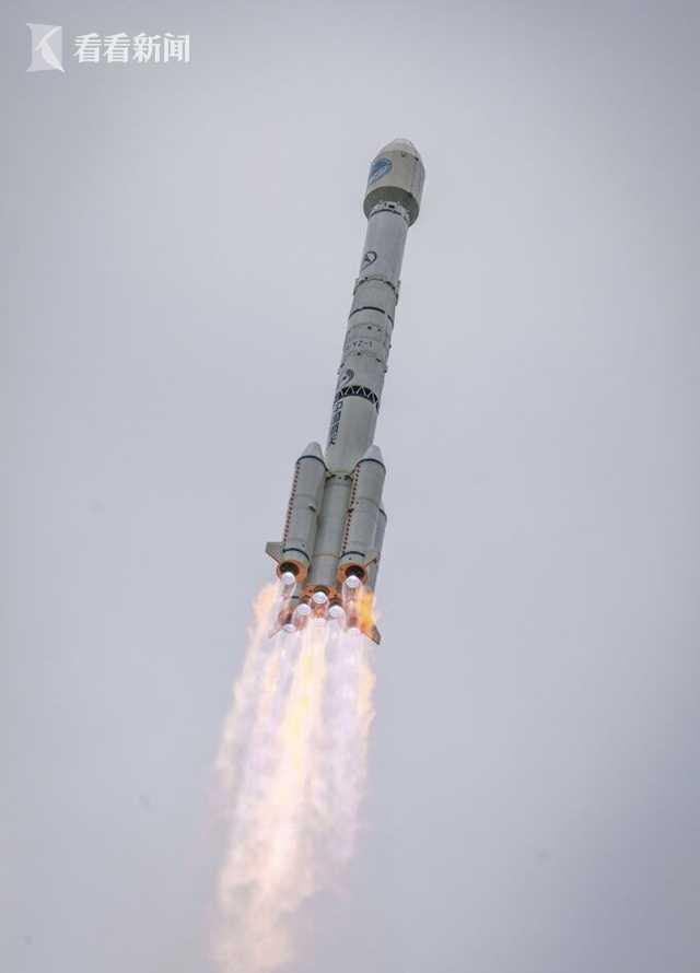 卫星2.JPG