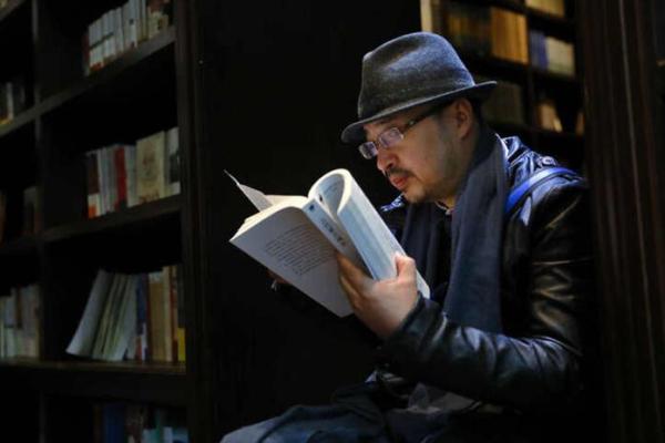 俞挺设计了钟书阁、思南书局等书店,为上海市民提供了优美的阅读环境。