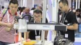 航天智能机器人亮相2018世界机器人大会