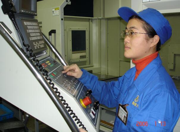 2006年,苗俭在工作岗位上