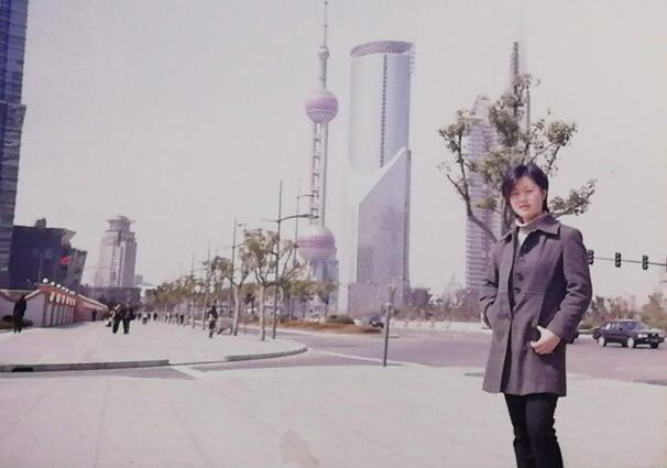 1999年,苗俭在上海陆家嘴