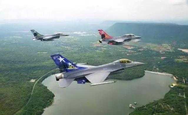 泰国空军的F-16战机