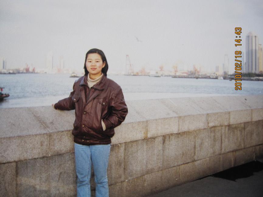 2010年,初来上海工作的彭丽在外滩