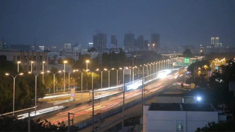 3小时的路10分钟开到,中国高速公路从上海启航