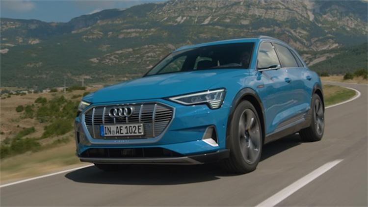 亮相进博 奥迪首款纯电动SUV即将中国首发!