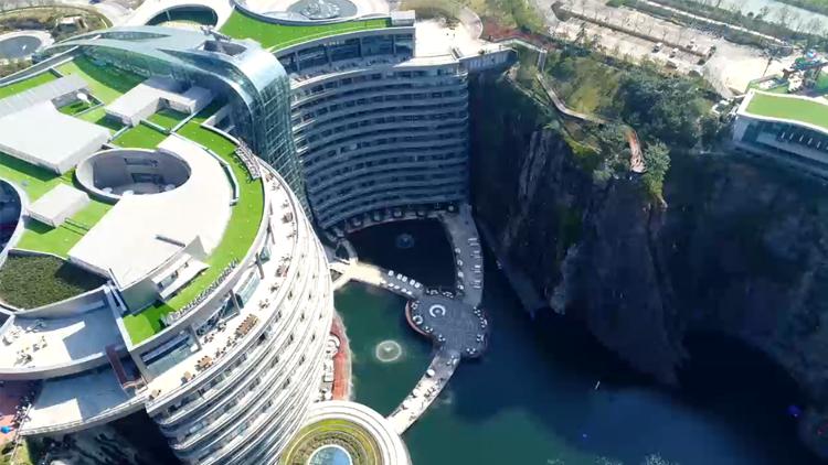 水下套房惊艳曝光 上海网红酒店