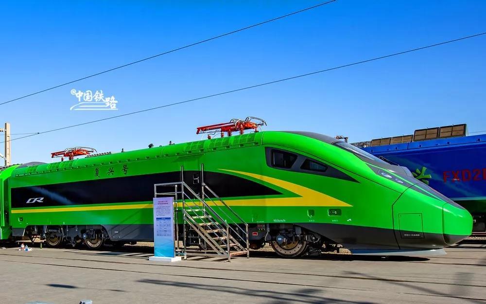 复兴号上新了!多款复兴号新列车今日亮相