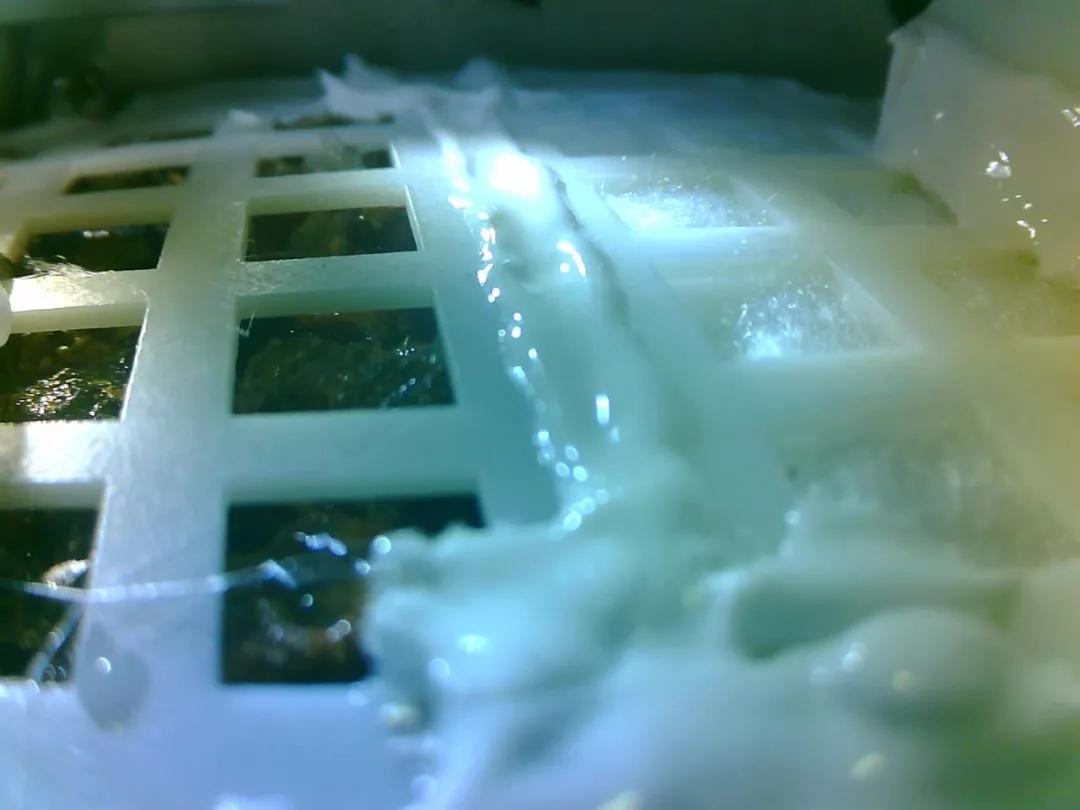 地面罐体,2019年01月03日23:50分注水,试验第一天
