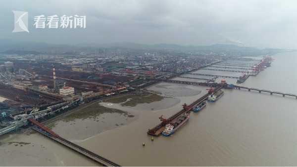 宁波北仑港矿石码头