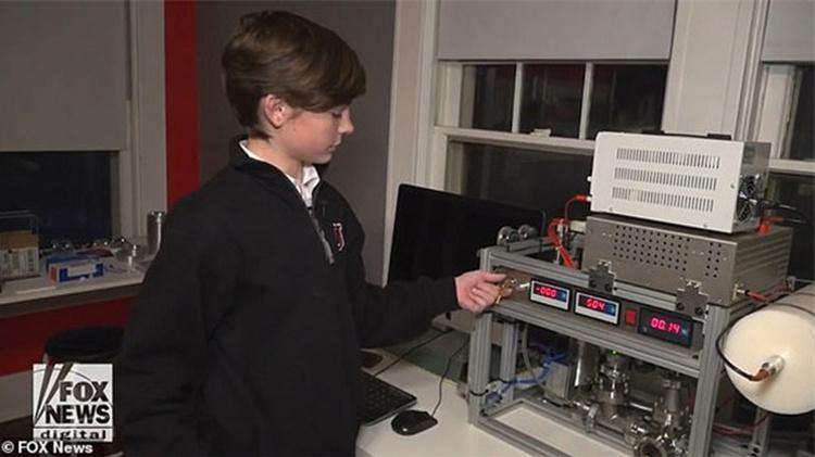 12岁小学生花万元网购 在卧室制成核反应堆