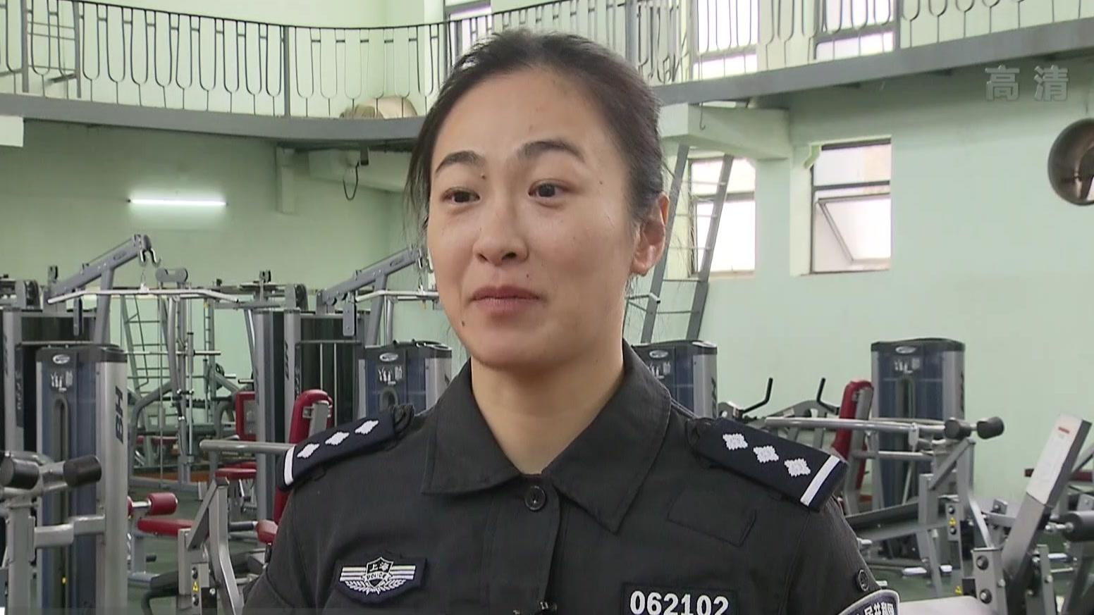 上海女子特警队:铿锵玫瑰展风采