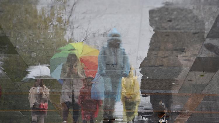 上海今晨发今年首个雷电黄色预警 最高气温25℃
