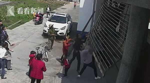 视频|5岁男童卷入电动闸门身亡 千万别让孩子这么玩!