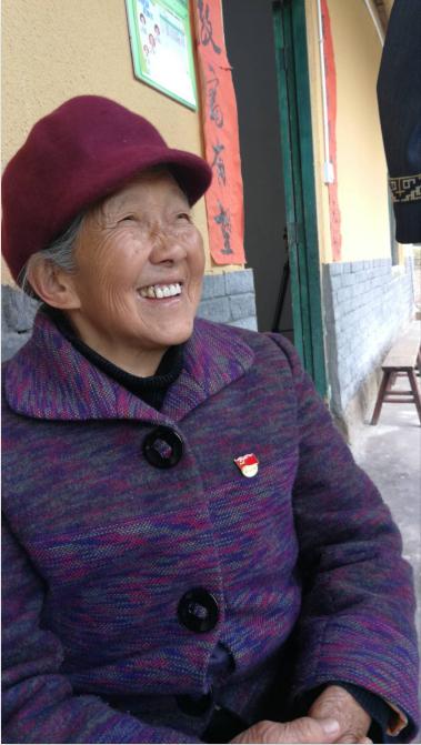 马培清1974年7月入党,她的父亲曾是中共地下党员。现在,马培清和两个儿子一同居住。