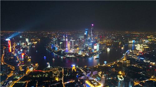 上海浦江两岸夜色(2017年4月15日无人机拍摄)。新华社记者 丁汀 摄