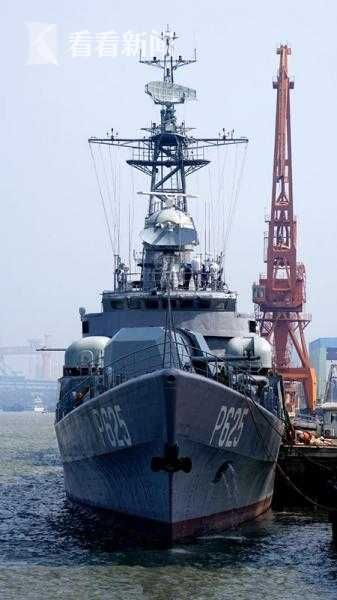 """转交给斯里兰卡的""""铜陵""""舰"""