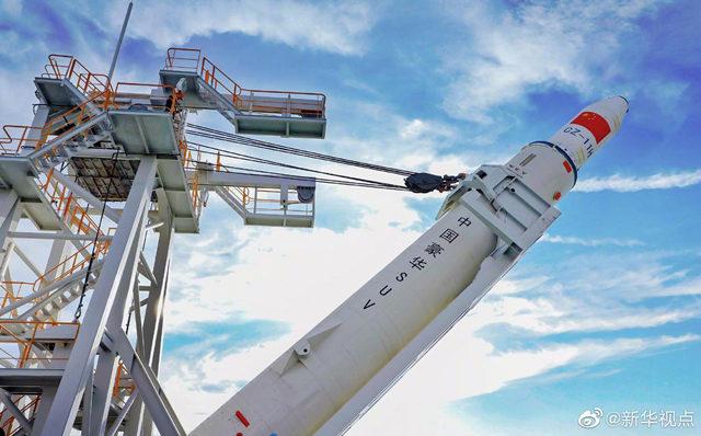 中国航天完成首次海上发射:长征十一号一箭七星