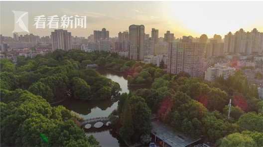鲁迅公园:鲁迅纪念馆坐落处、中国第一个体育公园。