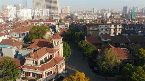 """多伦路:""""现代文学重镇"""",中国近代文人墨客的卧虎藏龙之地。"""