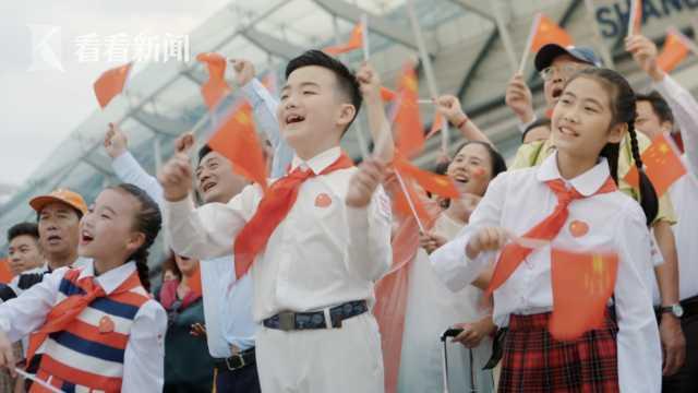 少年唱响《我和我的祖国》
