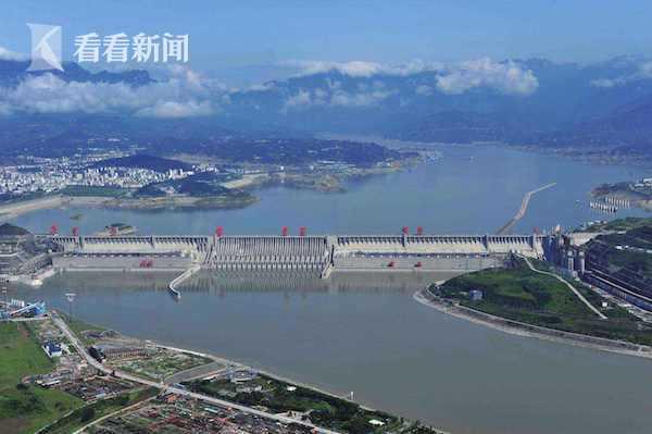 三峡大坝.jpg