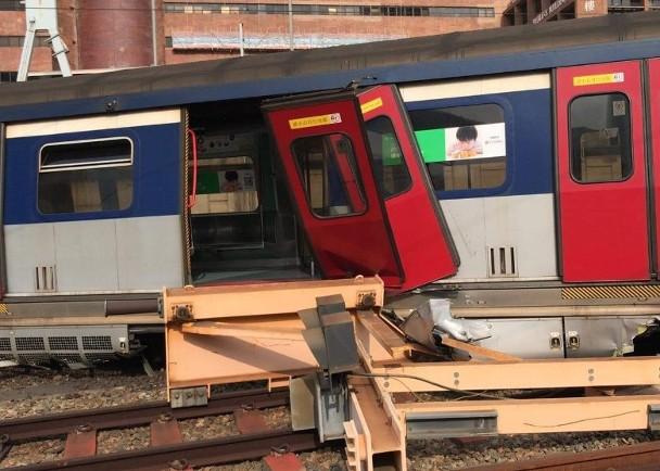 香港港铁出轨:乘客回忆列车猛烈摇晃 多人跌伤