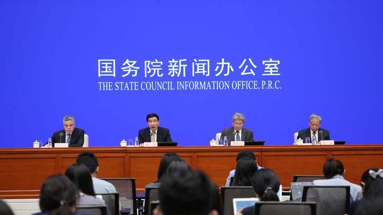 工信部:中国5G标准必要专利数全球第一