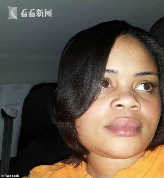 黑人邻居????_视频|黑人女子门没关引来白人警察 自己家中惨遭射杀