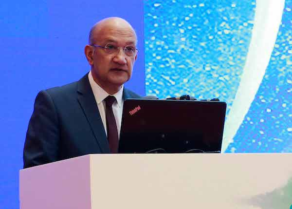 首屆世界科技與發展論壇10月16日在京開幕。圖為國際科學理事會主席 達亞·瑞迪致辭。來源:新華社