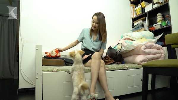 张玥演和克隆宠物小妮妮