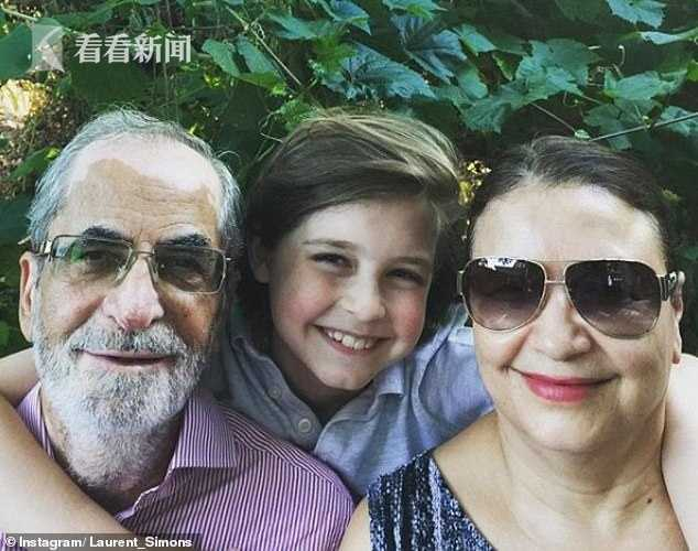 劳伦・西蒙斯与爷爷奶奶