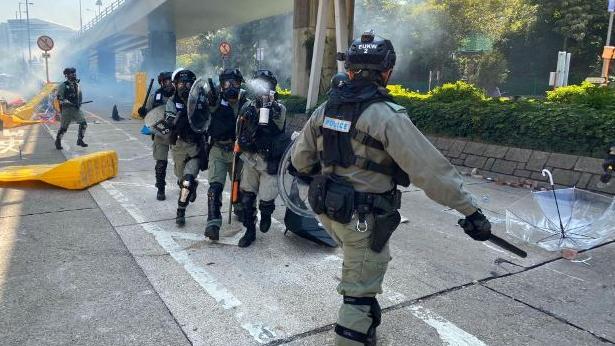香港警方:理大内鱼龙混杂 拘捕多名假记者假医务