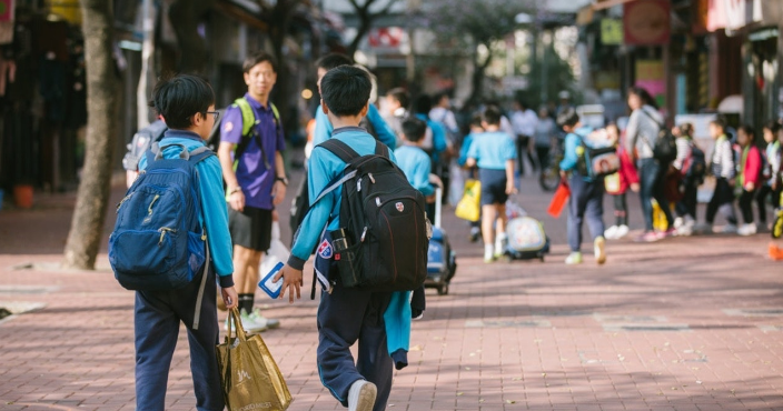香港中小学周三开始复课 幼稚园延至下周一复课