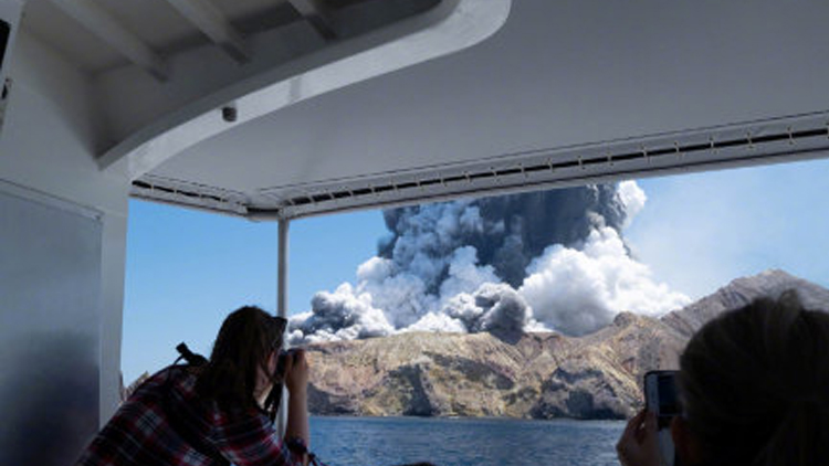 新西兰火山喷发应急情况:死伤者中有2名中国人