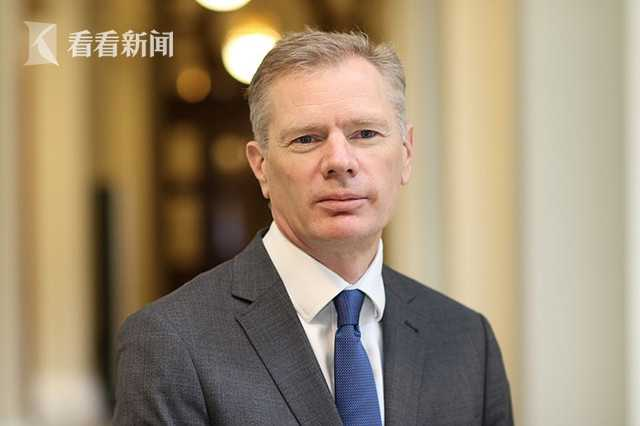 英国驻伊朗大使罗布·马凯尔
