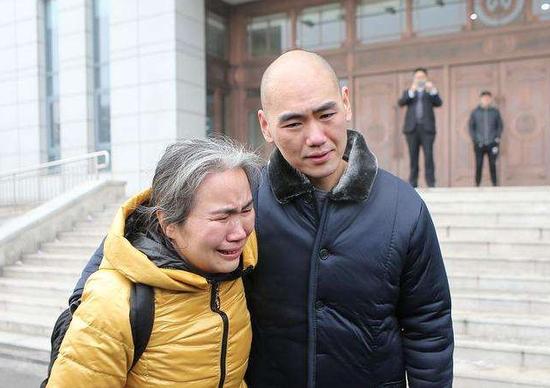 出獄后的張志超與母親