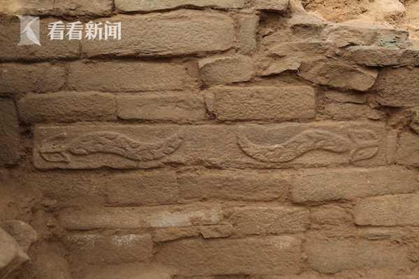 皇城台大台基南护墙出土石雕2.JPG