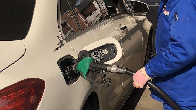 新年两连跌!18日晚零点国内油价将下调