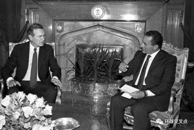 穆巴拉克和美国总统老布什
