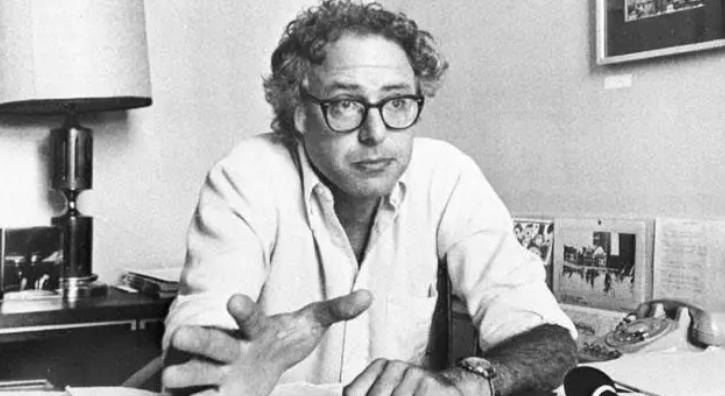 1981年 桑德斯当选伯灵顿市长