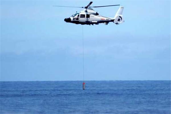 直-9C反潜直升机吊放声呐