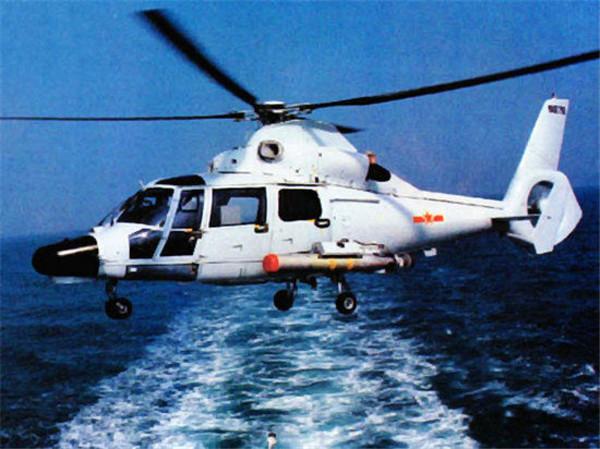 """原装的""""黑豹""""SA565反潜直升机"""